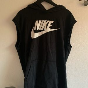 Nike sleeveless hoodie in excellent condition!